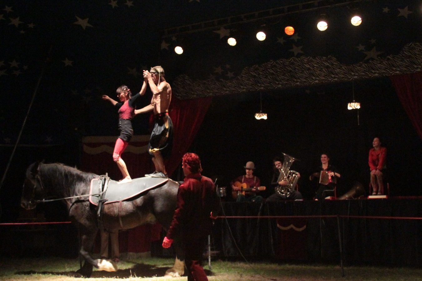 cirque-la-cabriole-cabaret-ephemere-odeon