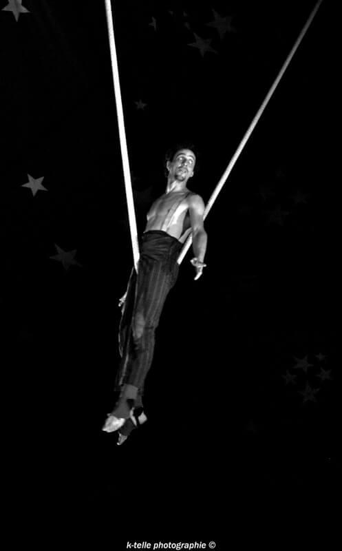 cirque-la-cabriole-numeros-aeriens-5