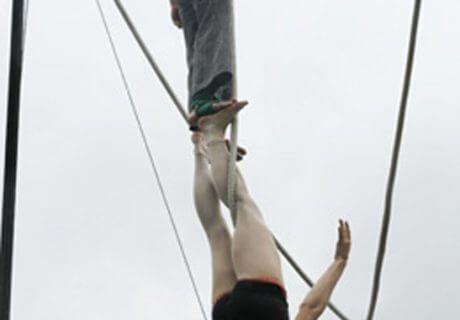 cirque-la-cabriole-numeros-aeriens-7
