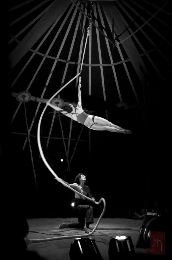 cirque-la-cabriole-cabaret-ephemere-corde_lisse_duo